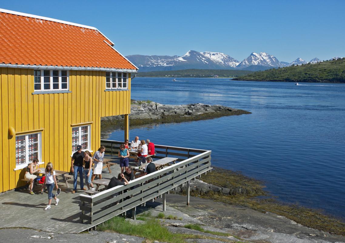 Sol og sommer ved Rystraumen nær Tromsø © Bård Løken