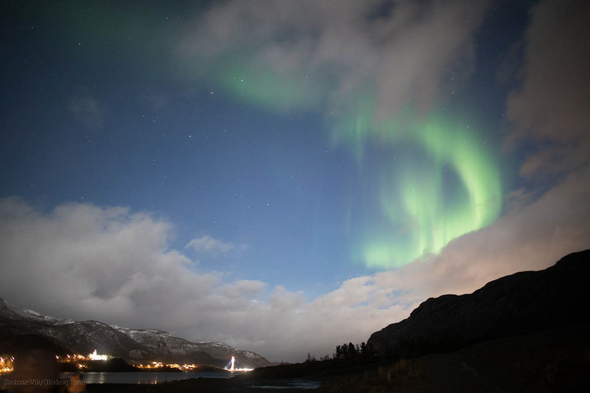 You can join a tour to see the lights with Glød Explorer in Alta © Steinar Vik - Glød Explorer
