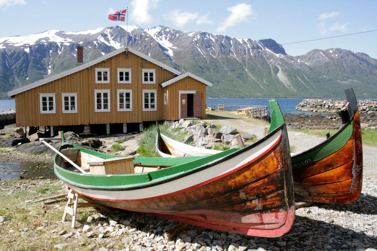 Hemmestad boathouse in Kvæfjord with classic northern boats (c) Sør-Troms Museum