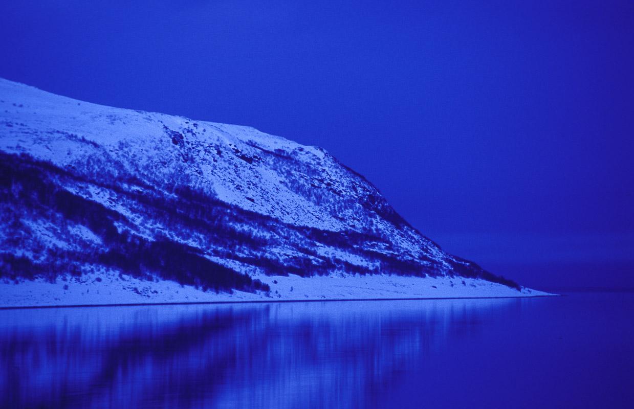 Alta fjord in blue © Trym Ivar Bergsmo