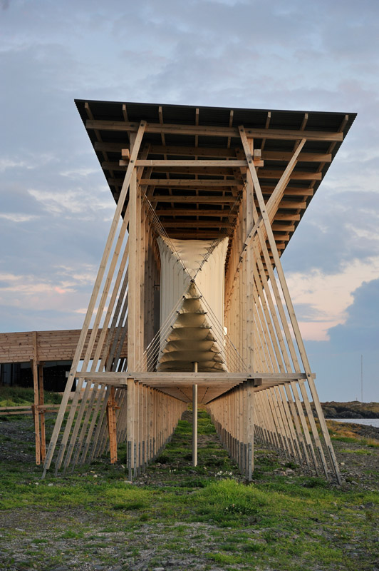 The cocoon structure containing the memorial hall © Jarle Wæhler, Statens vegvesen