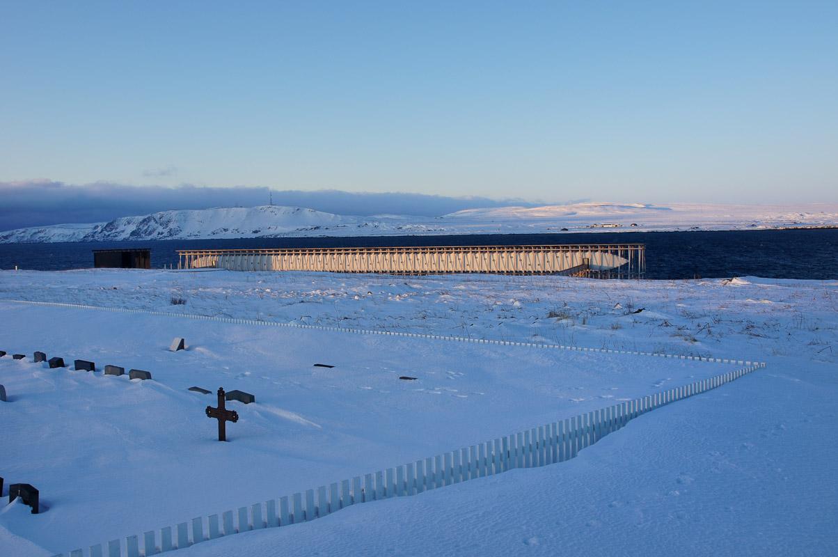 Winter view of the memorial site © Helge Stikbakke / Statens vegvesen