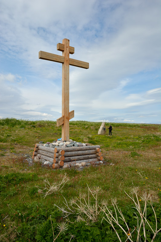 The Pomor Cross nearby is a gift from Arkhangelsk, Russia, which Vardø had close contact with for centuries © Harald Bech-Hanssen / Statens vegvesen