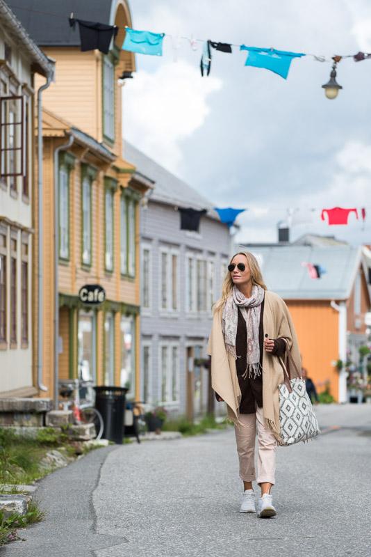 På bytur i Sjøgato © Terje Rakke/Nordic Life