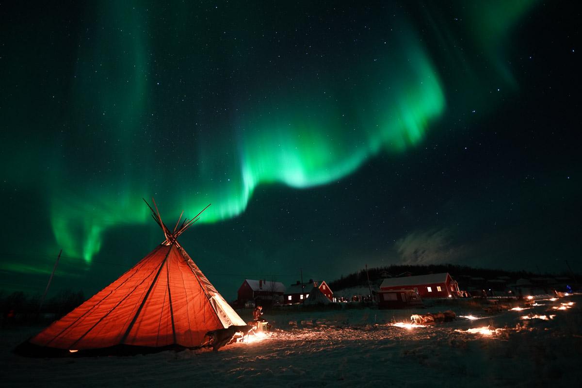 Nordlys fra Lavvoen © Glød Explorer
