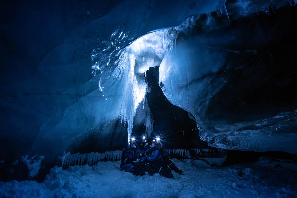 Blått islys © Maria Babahekian