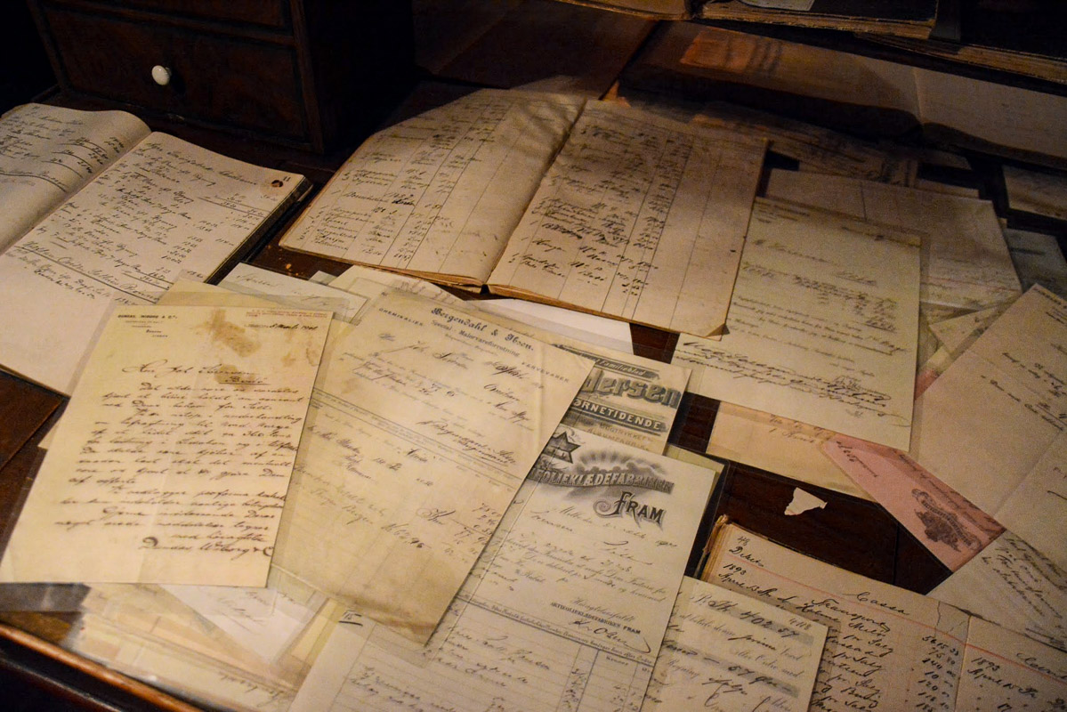 The old accounts, including a complaint from Nordenfjeldske about poor dispatching times © Knut Hansvold