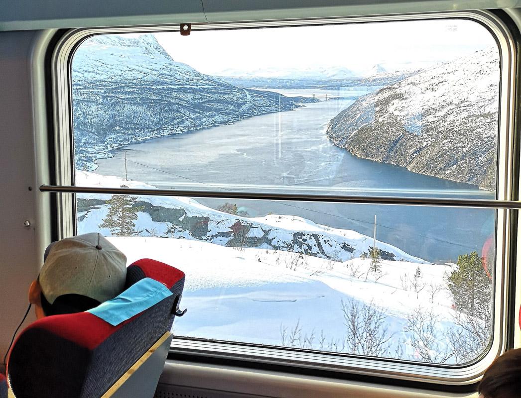 Fra Ofotbanen, Rombaksbrua og Romsbaksfjorden (c) Christina Myrland