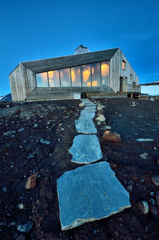 Rabot cabin is found at 1200 meters high (c) Fabrice Milochau