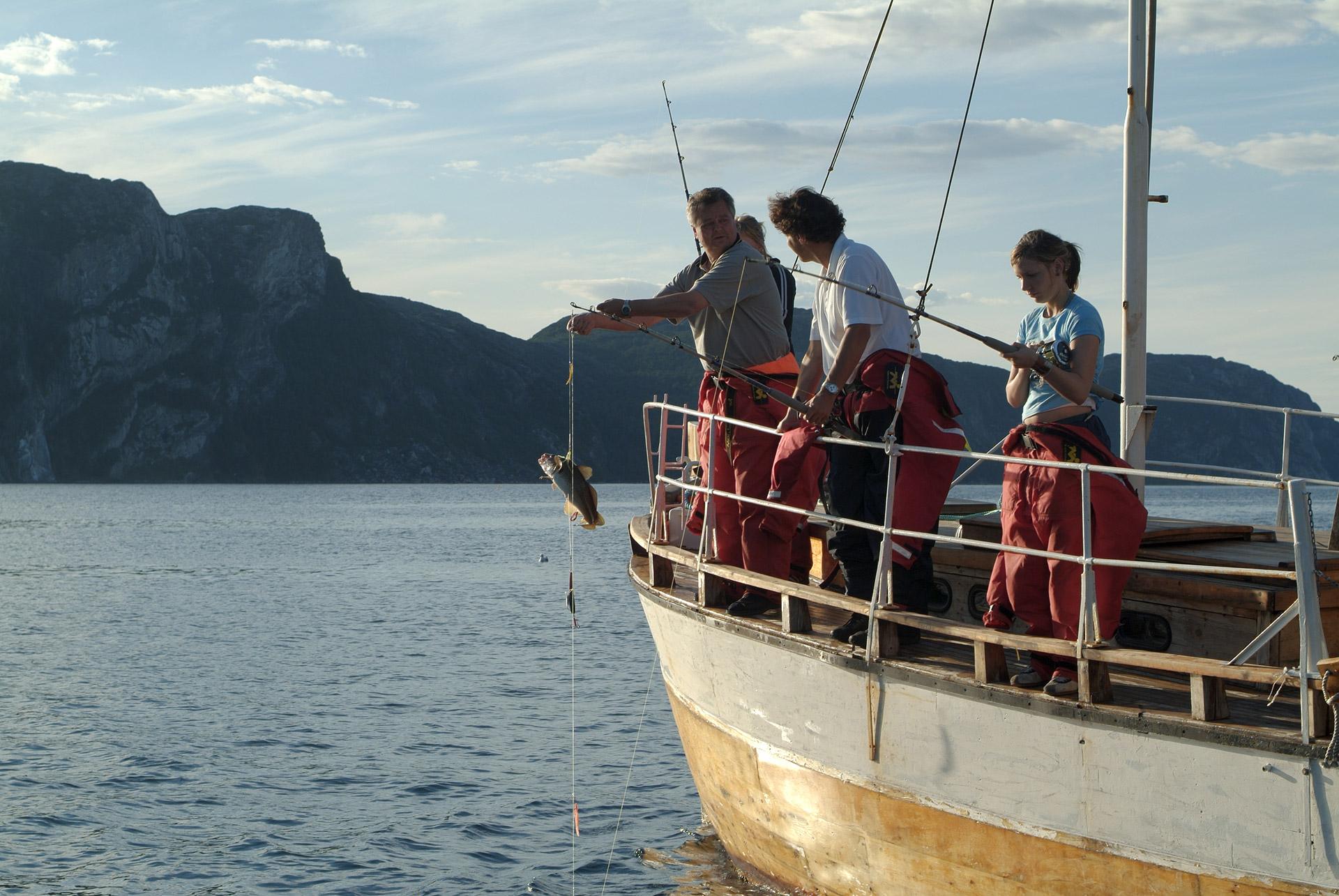 Fjord fishing © Trym Ivar Bergsmo