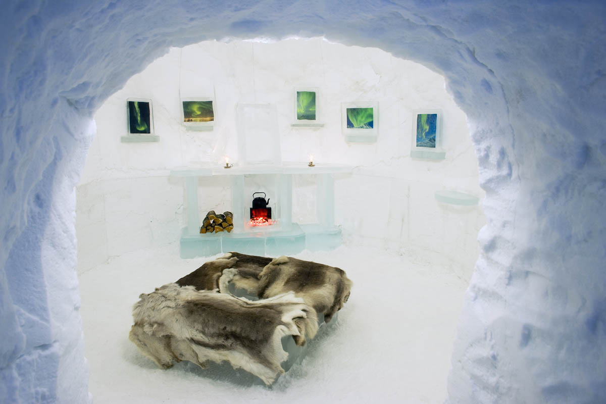 Sleeping in an ice hotel is a romantic and calming experience - (C) Bård Løken