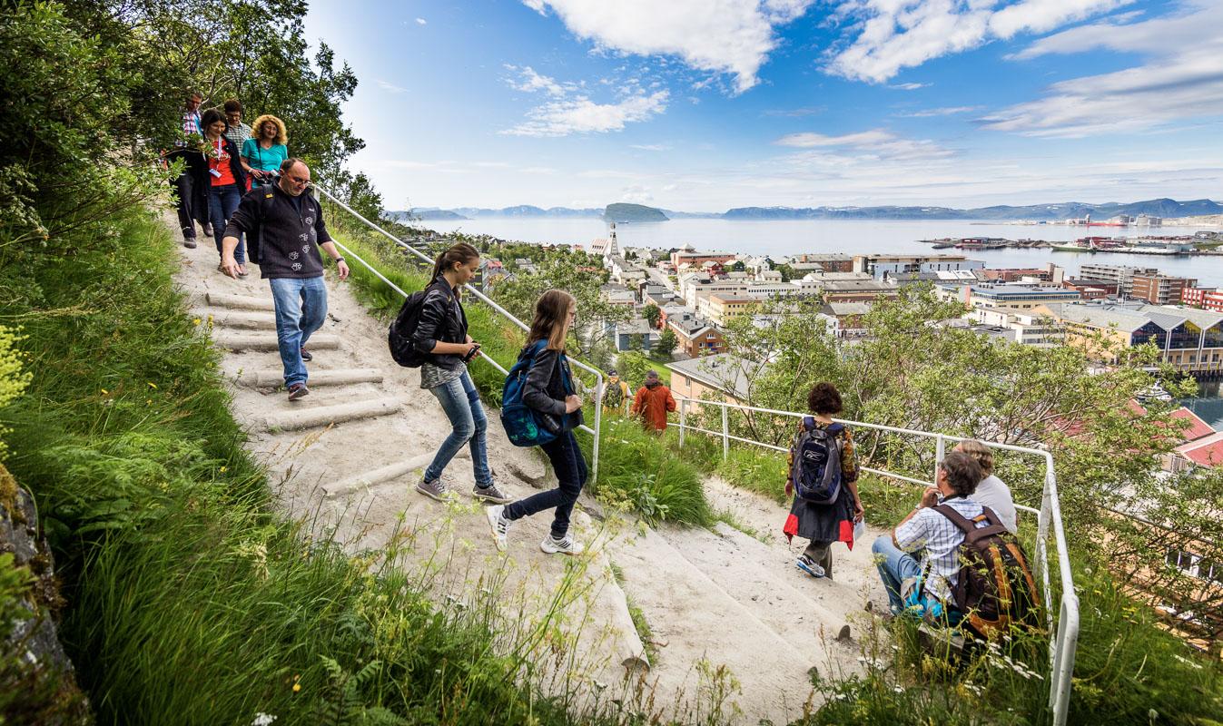 Down the zigzag stairs © Ziggi Wantuch/Hammerfest Turist