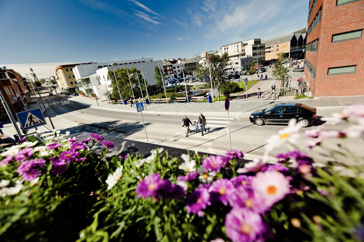 Torget med Isbjørnklubben, dit du skal for å hente diplomet ditt (c) Ziggi Wantuch/Hammerfest Turist