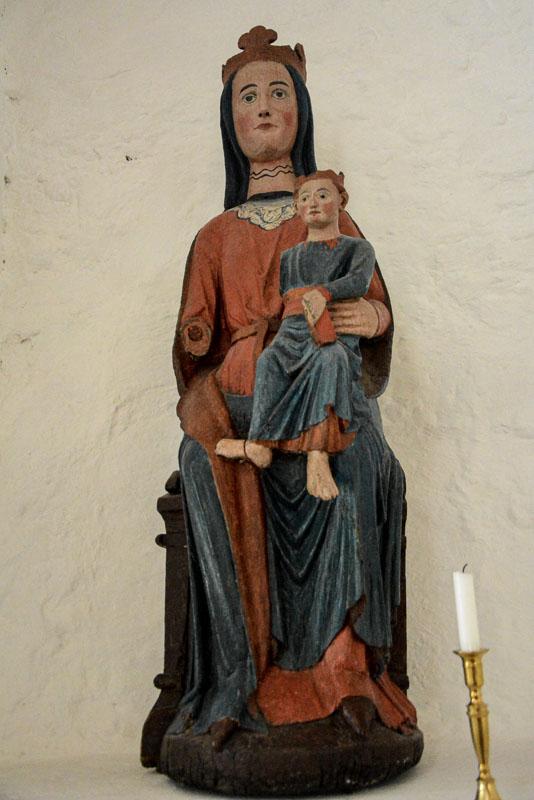 Gotisk madonna i Dønnes kirke © Knut Hansvold