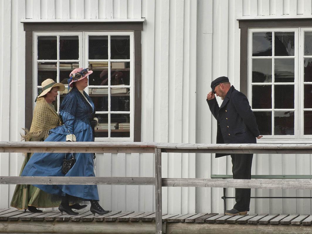 Visitors on Kjerringøy
