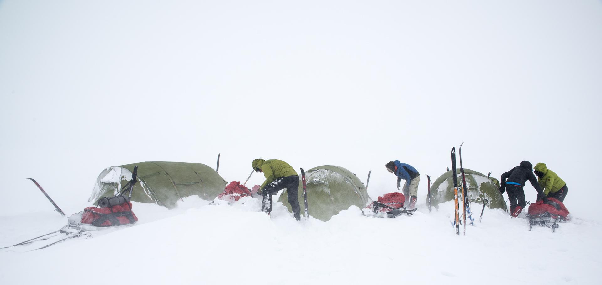 Slå leir i snøføyka © Liv Engholm, Turgleder