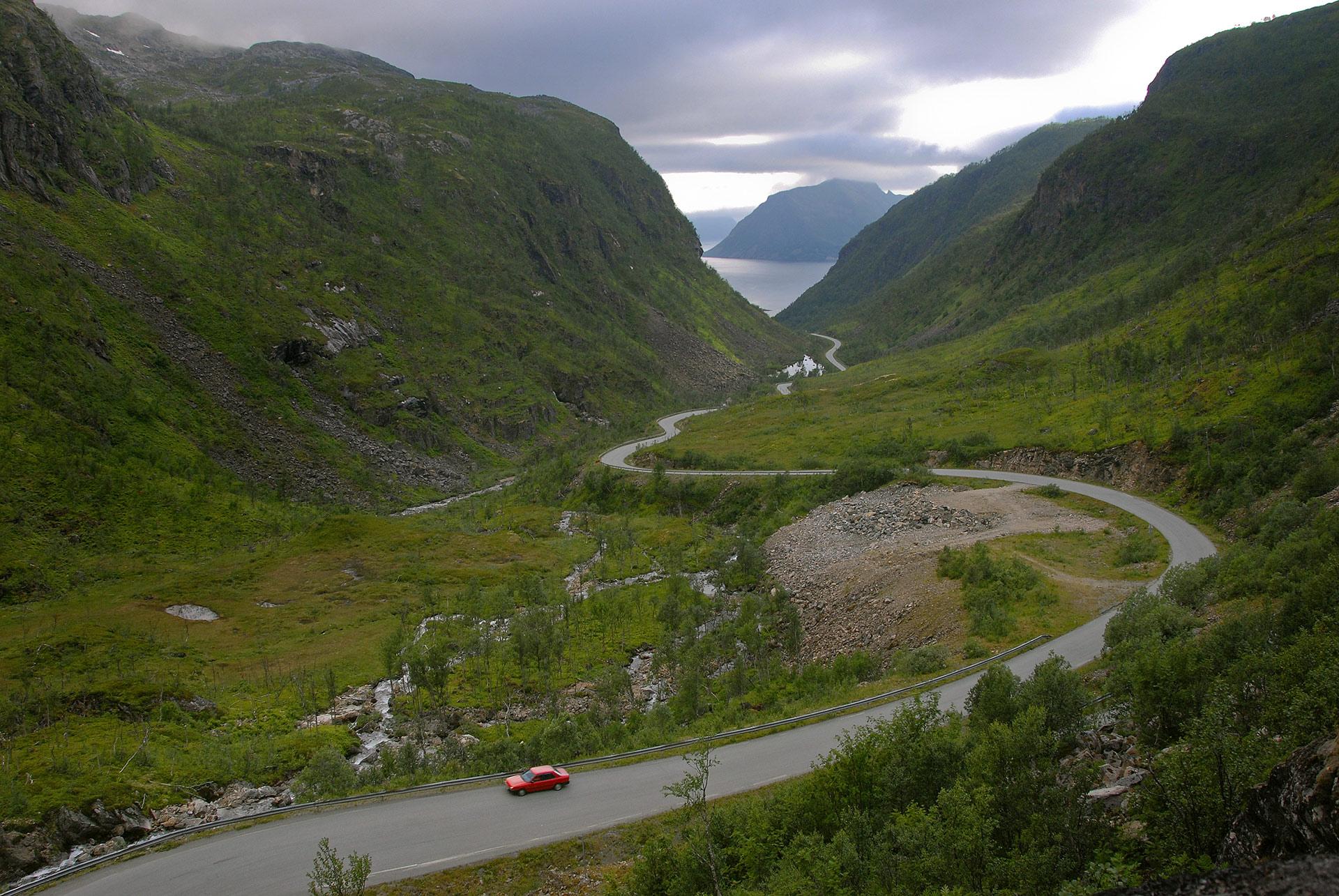 På vei ned Sifjordura på Senja © Reiner Schaufler