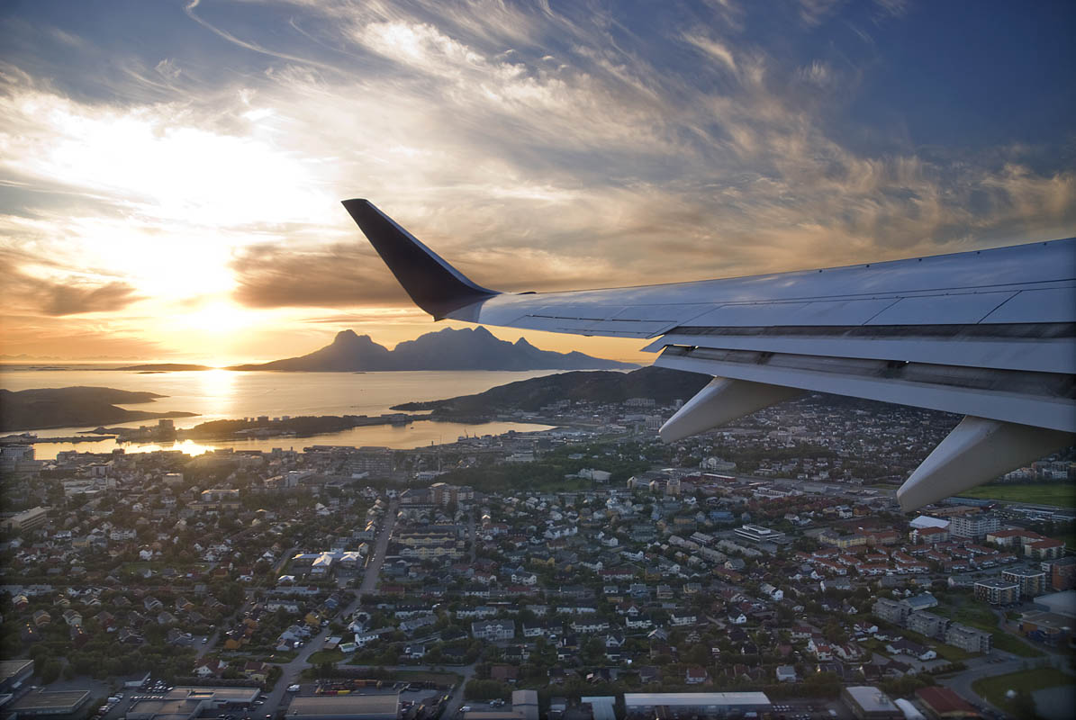 Flying in Midnight Sun norway