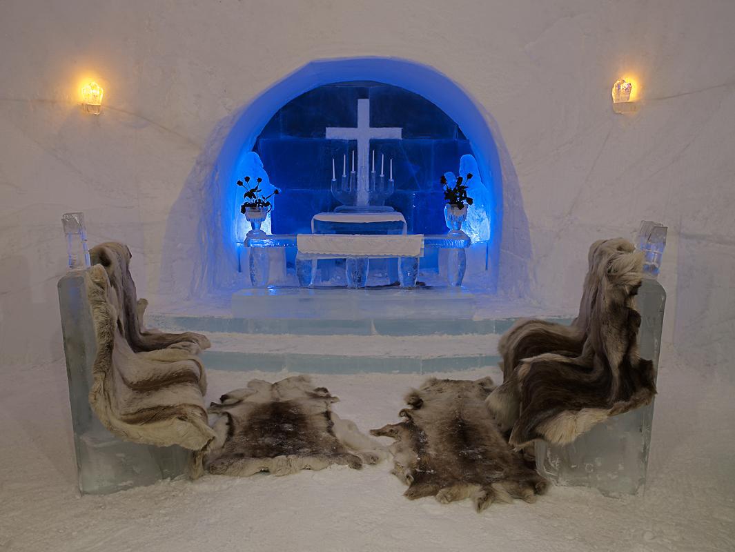 Take a seat in the chapel © Baard Loeken