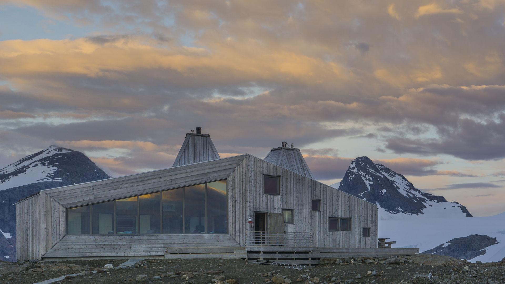 The Rabot cabin is a architectural masterpiece (©) Jan Inge Larsen