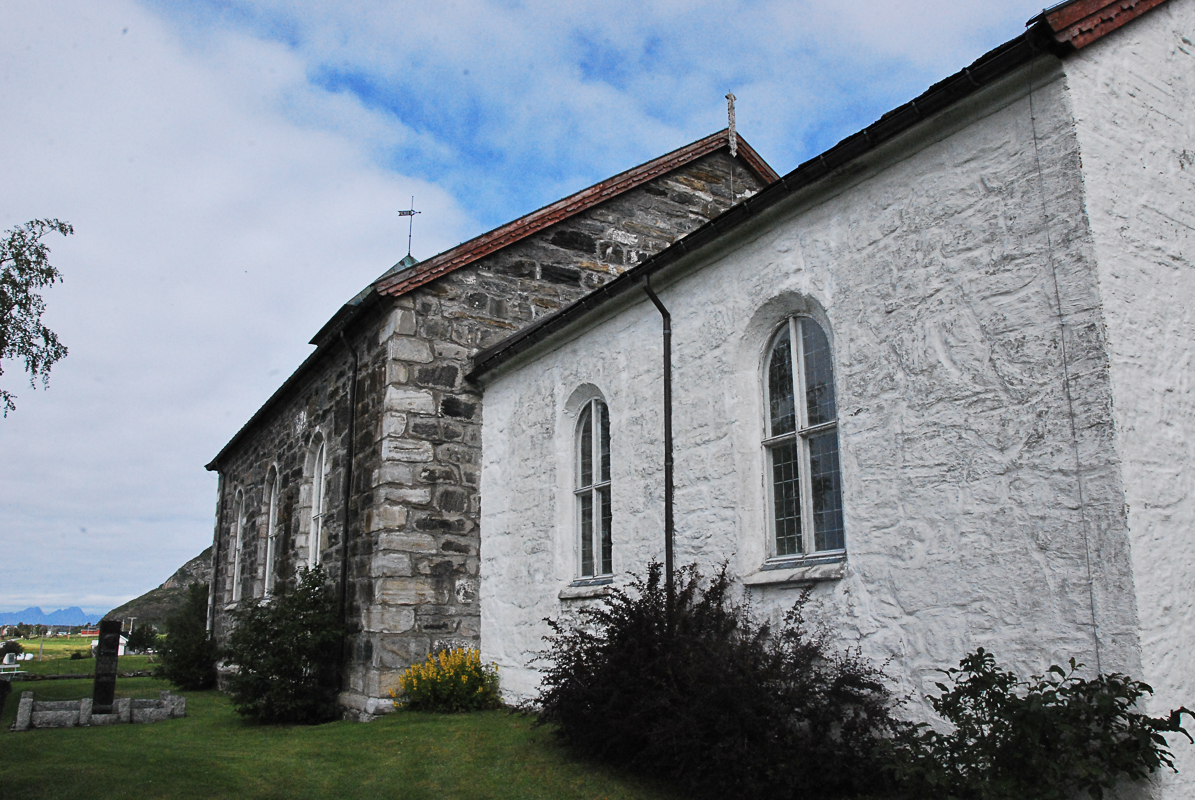 en eldste delen av Steigen kirke er fra 1200-tallet (c) Knut Hansvold