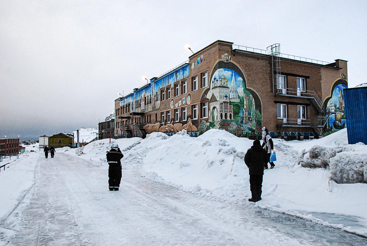 LIten fotorunde i Barentsburg (c) Knut Hansvold