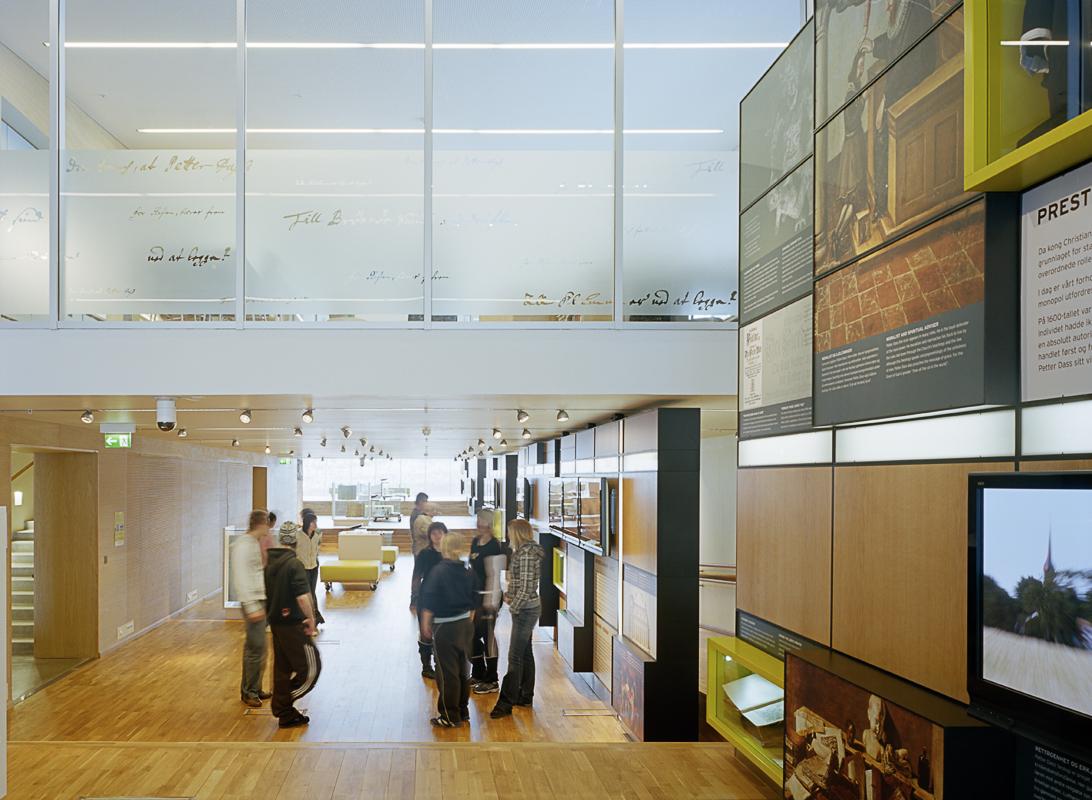 Salmeveggen inne på museet © Petter Dass-museet