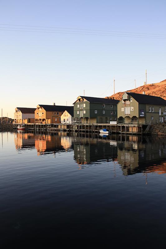 To etasjes lasting og lossing over fem brygger © Holmvik Brygge