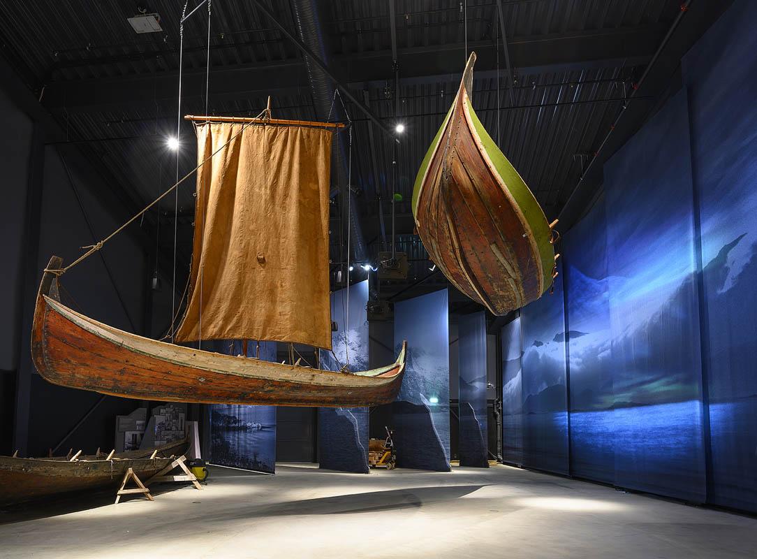 Traditional Nordland boats © Ernst Furuhatt