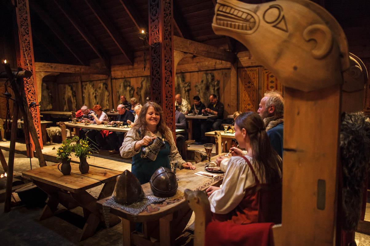 Vikingene byr opp til lag © Kjell Ove Storvik