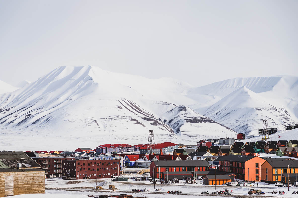 Longyearbyen looking out towards Adventdalen to the North East © Emilien Gigandet