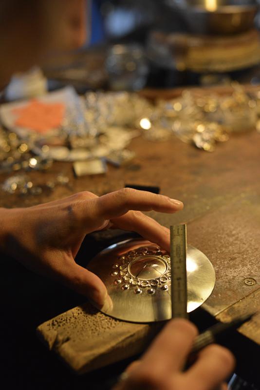 En sølje blir til (c) Juhls Silver Gallery