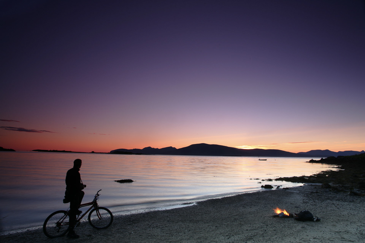 Enjoy your favorite activity while the midnight sun shines © Frank Andreassen