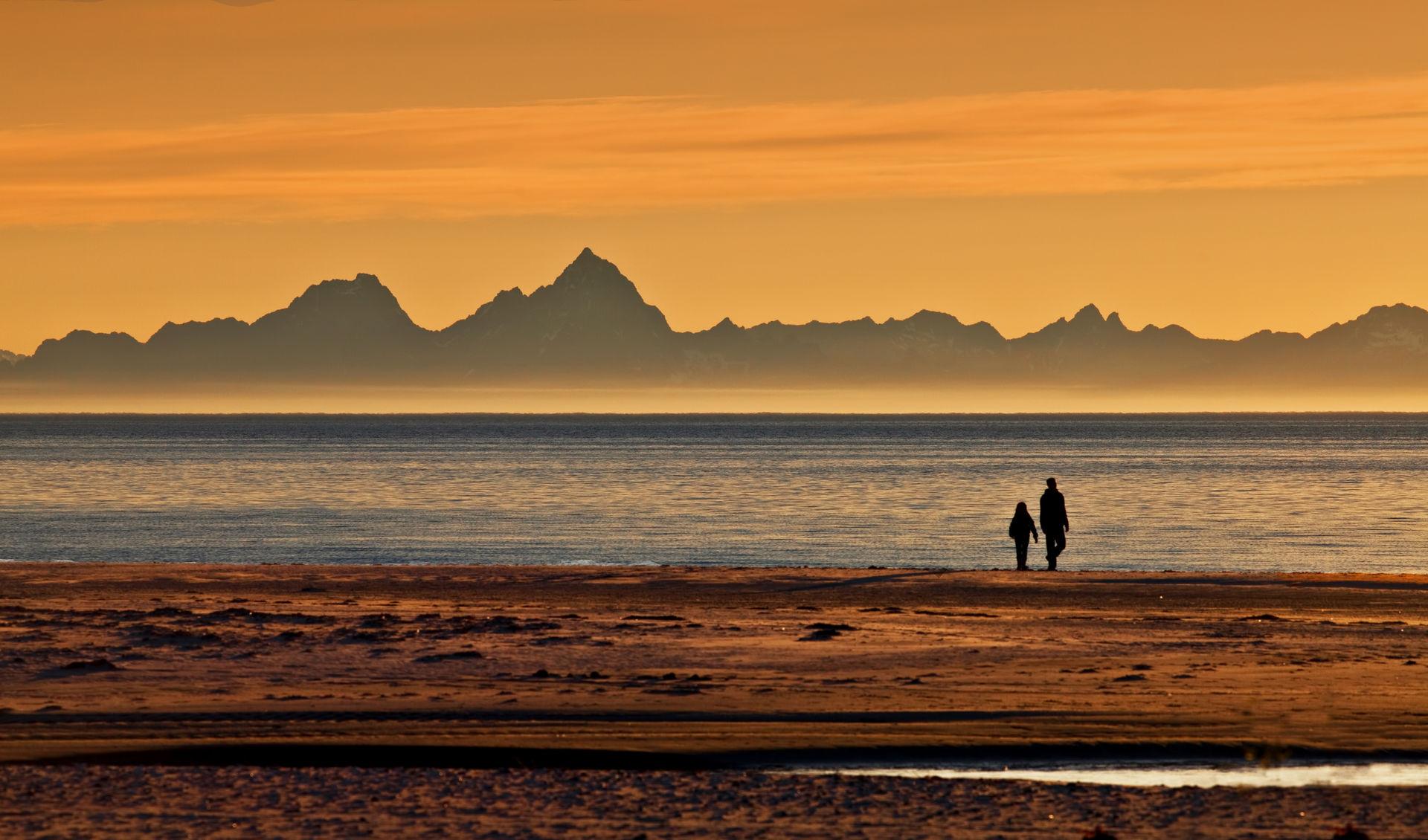 Find your own beach to experience the midnight sun © Terje Johansen