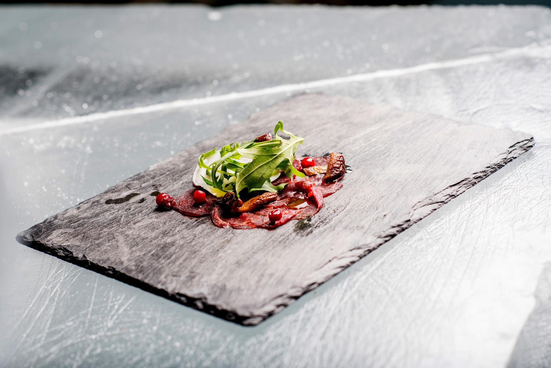 Tradisjonelt og samisk servert på nyskapende vis © Ørjan Bertelsen