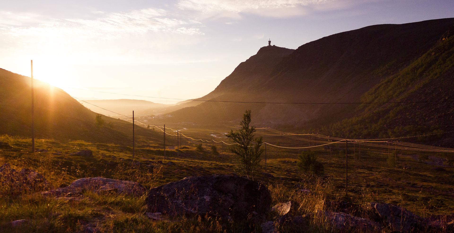 Autumn near Hammerfest. Mount Tyven straight ahead © Ziggi Wantuch