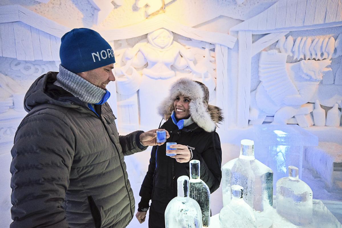 Temperaturen inne i snøhoteller er på noen få minusgrader, uavhengig av utetemperaturen © Snowhotel Kirkenes