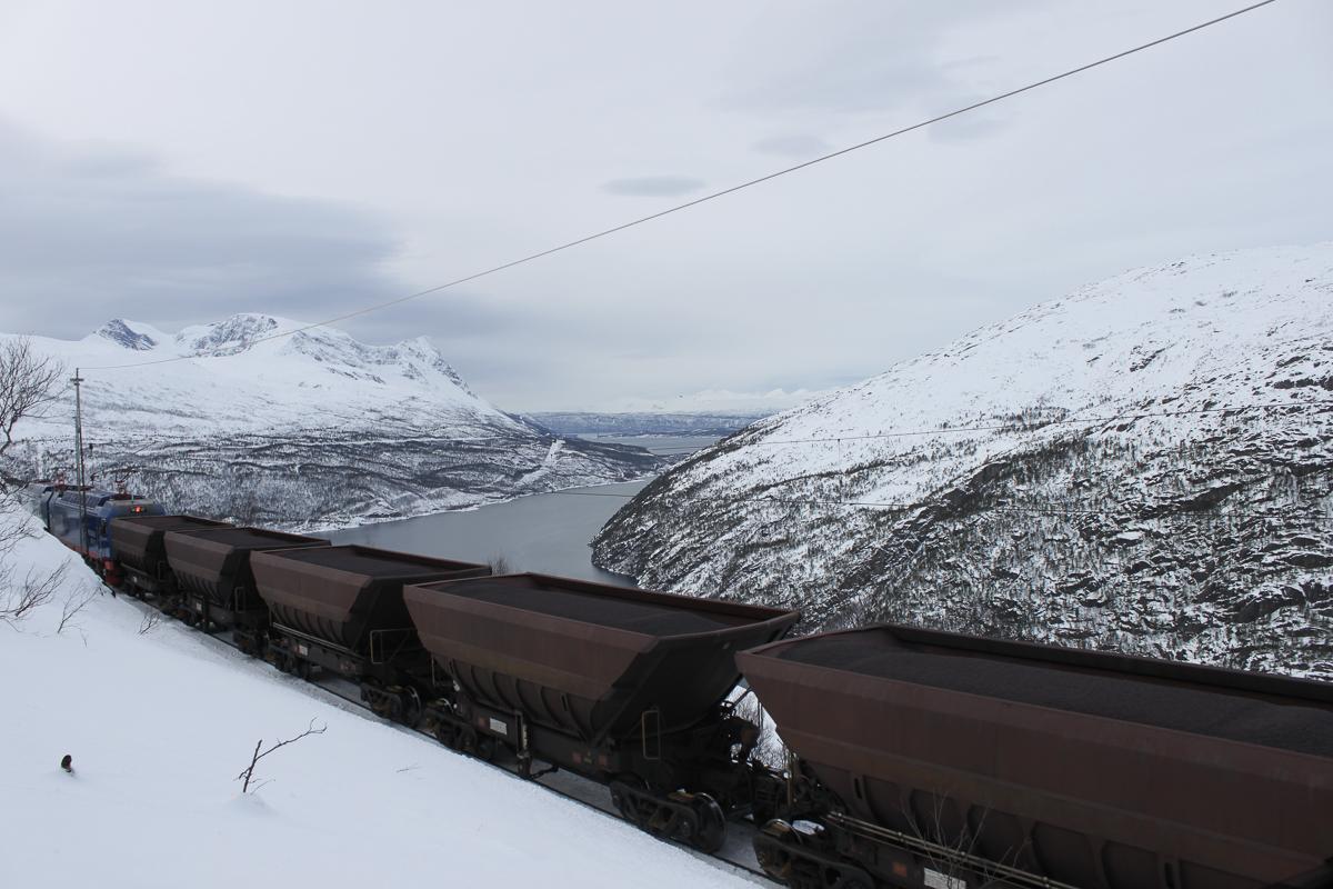 Train at Ofotbanen transporting iron ore © Thor Brækkan