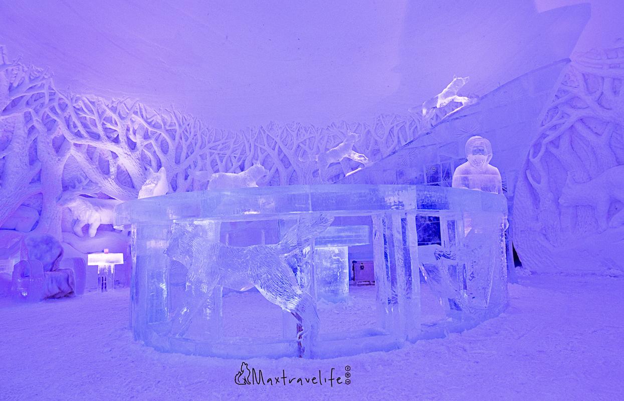 Ta en drink i baren (c) Snowhotel Kirkenes