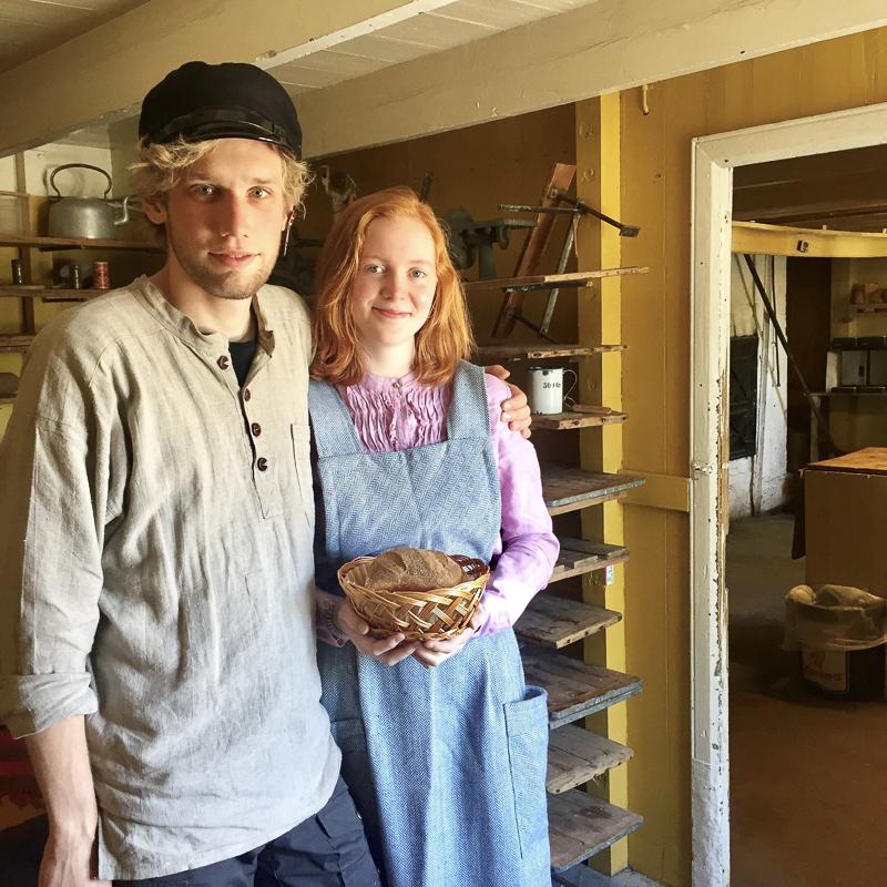 Trivselen er stor på bakeriet om sommeren © Norsk fiskeværmuseum