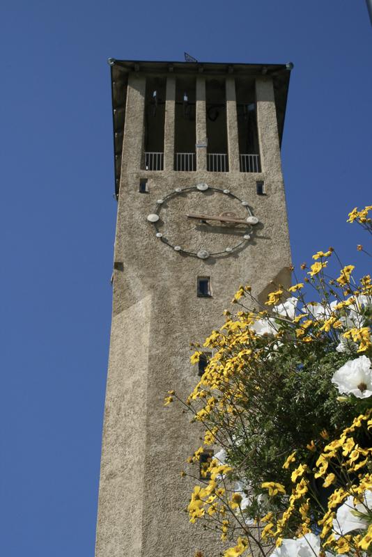 Rådhustårnet. Eit rådhustårn skal ha ei klokke © Tore Schöning Olsen