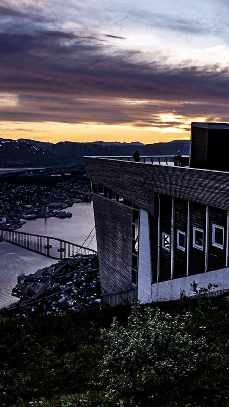 Måtte ta nok et bilde fra Fjellheisen. Man blir aldri lei! © Knut Hansvold