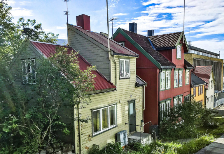 Walk the quiet backstreets of the old centre, and discover quaint old houses, with the ever present modern concrete blocks nearby © Knut Hansvold
