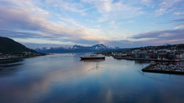 It's 1:30 am, and the South bound Hurtigruten leaves Tromsø © Knut Hansvold