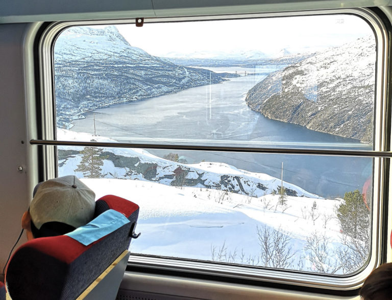 Slowly the Ofoten Railway winds its way through magnificent landscapes © Christina Myrland