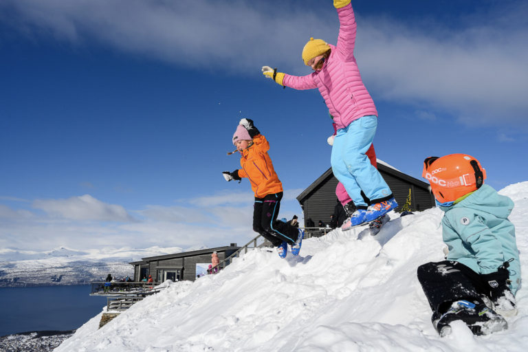 Fun for the whole family at the Narvik Mountain © Rune Dahl