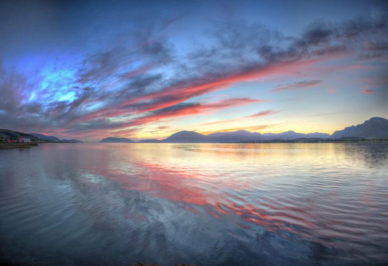 Red across the waterways © Vesterålen Tours