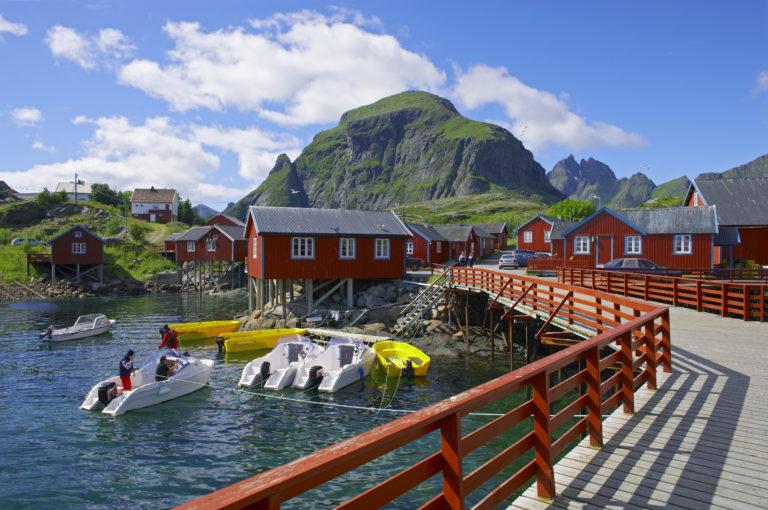 Sommerdag i Å på Moskenesøya i Lofoten.  © Bård Løken