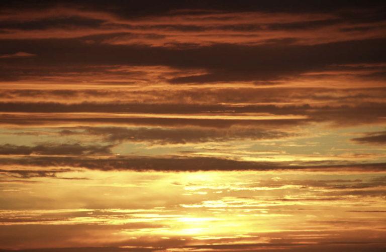 Sunny skies at Midnight © Tore Schöning Olsen