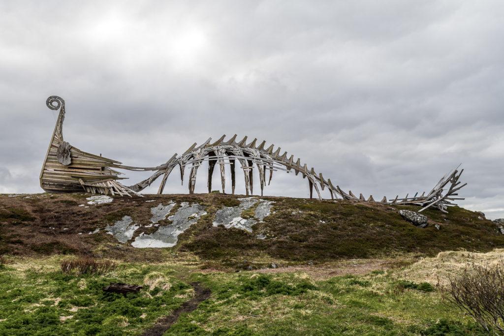 Bit Viking ship, bit dinosaur
